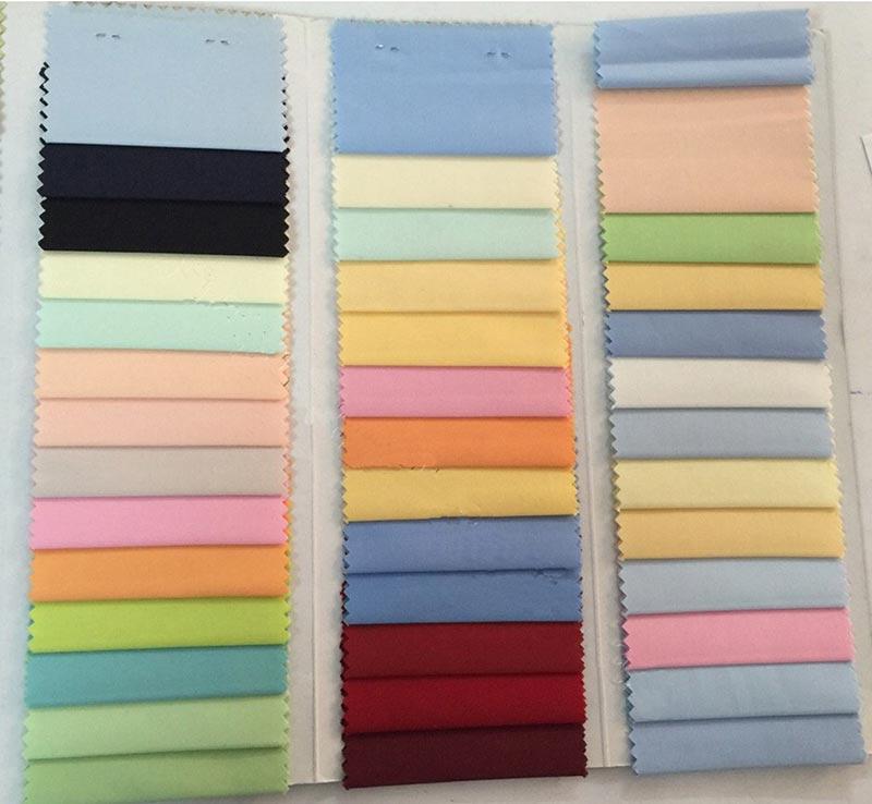 Màu sắc là một tiêu chí trong chọn mẫu đồng phục công sở sơ mi.