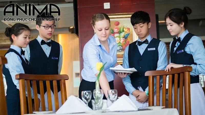 Sự đa dạng của đồng phục phục vụ, bồi bànkhách sạn